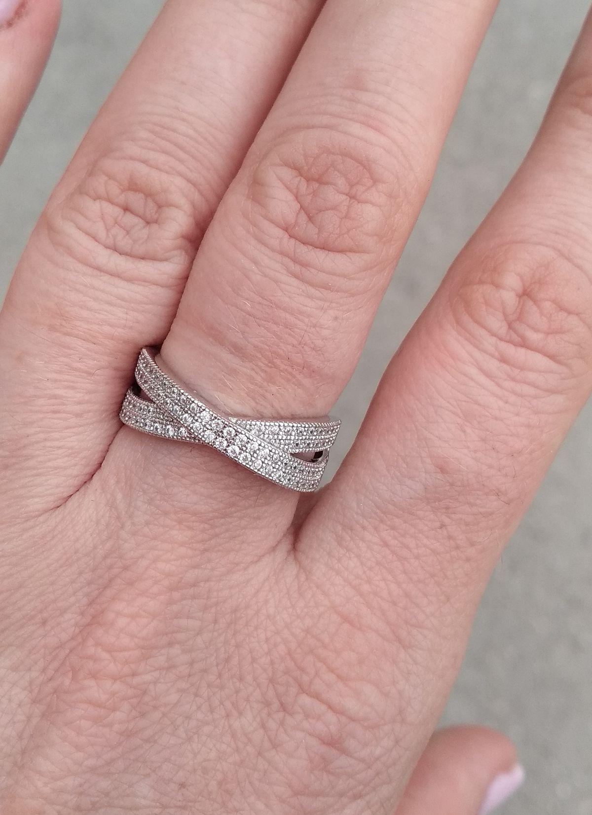 Лёгкое и нежное кольцо