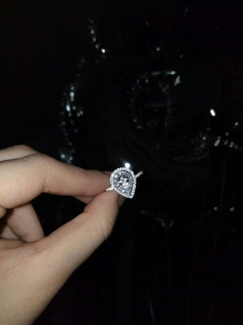 Кольцо капелька
