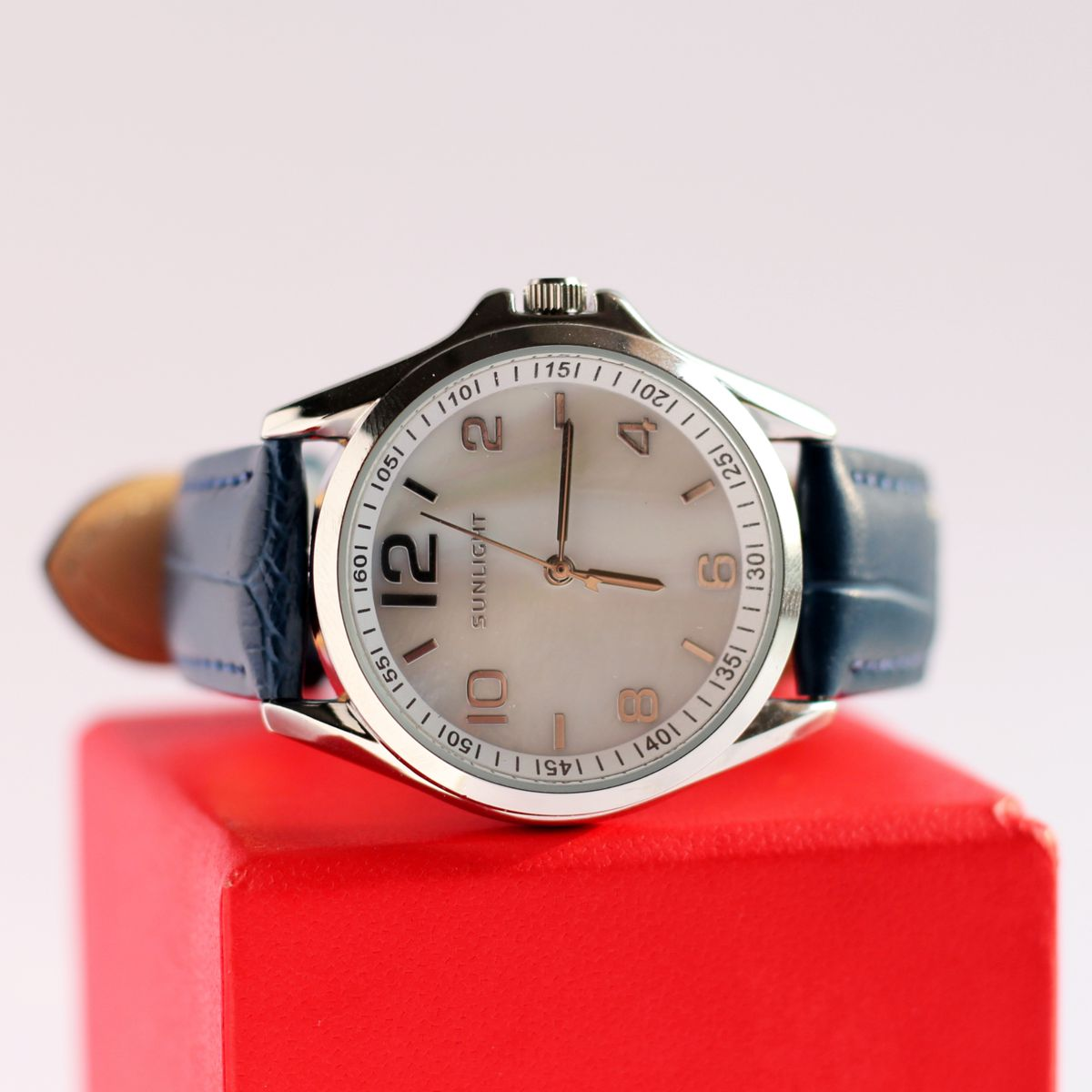 Стильные, женские часы