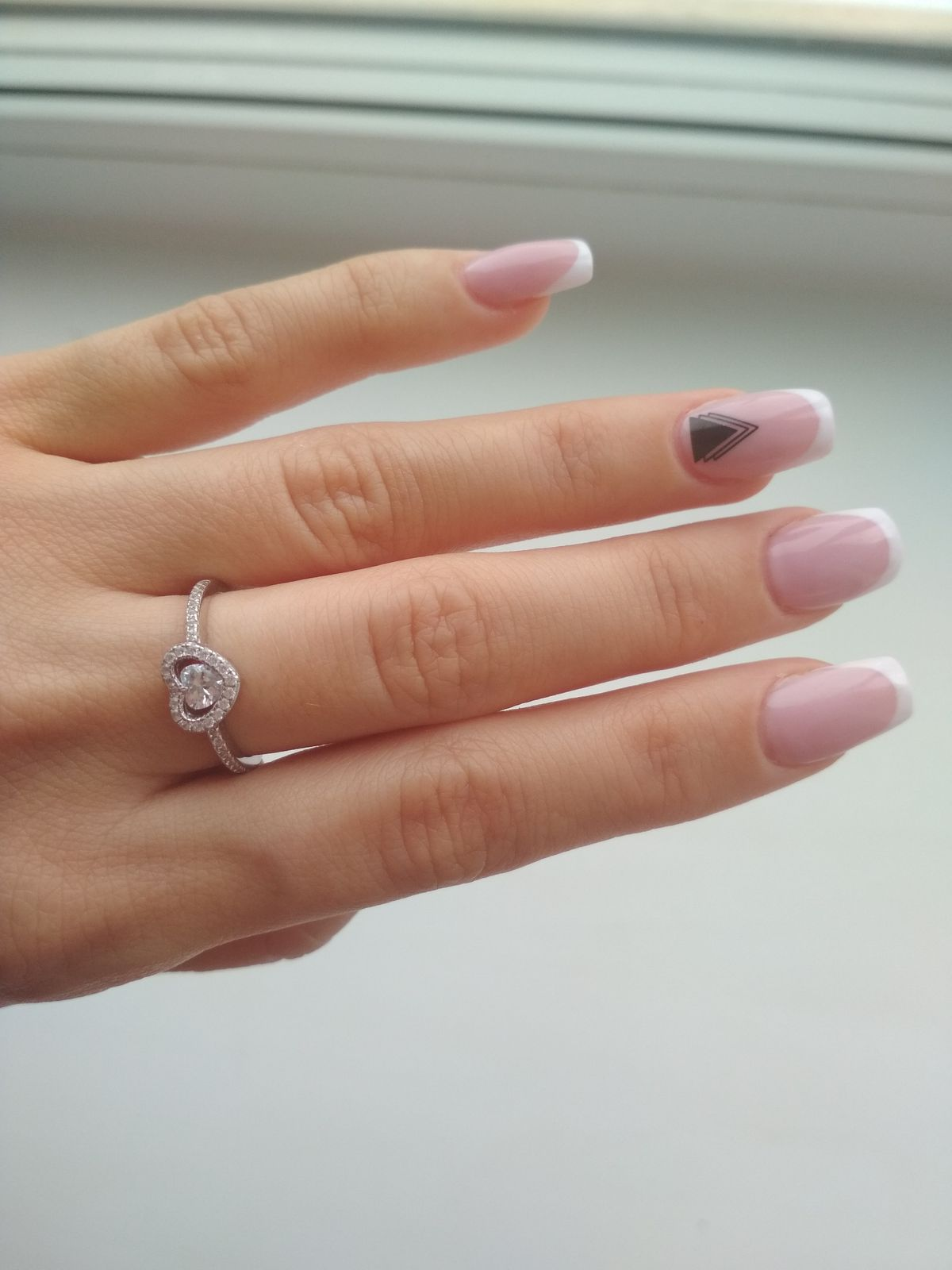 Кольцо-сердечко.
