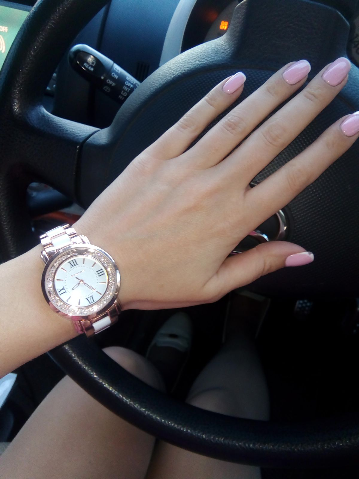 Часики просто находка,не нарадуюсь на них!!!)))