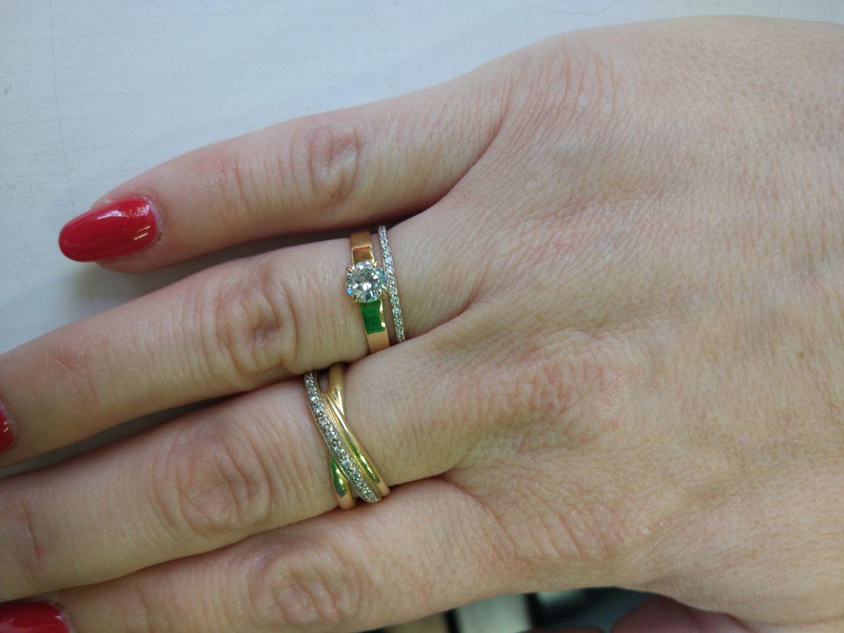 Роскошное кольцо с фианитом