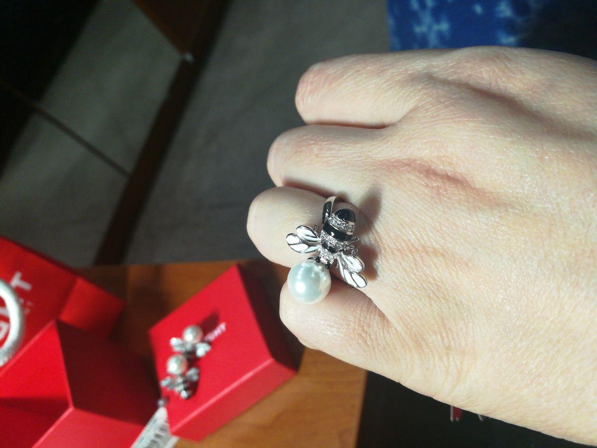 Кольцо с фигурной пчелы