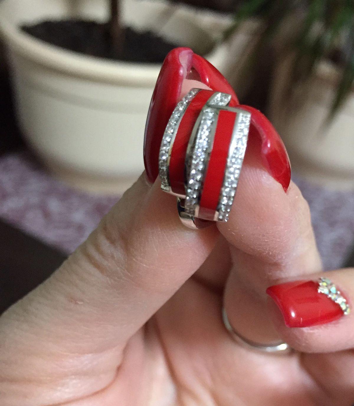 Серебряные серьги с красной эмалью