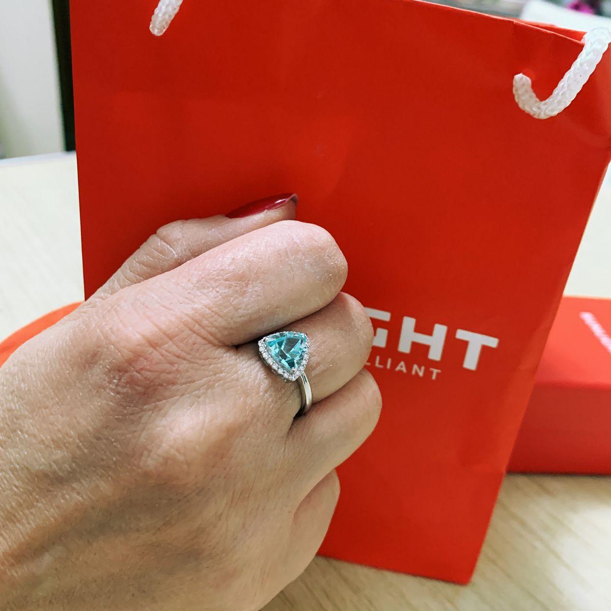 Серебряная кольцо с топазами