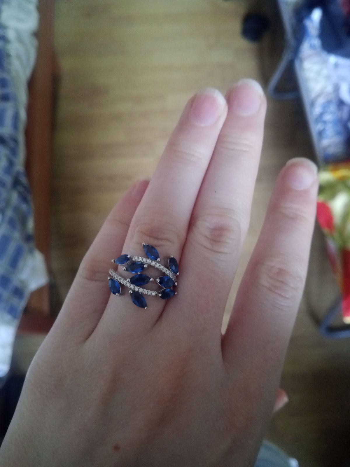 Очень красивое и чудесное кольцо!