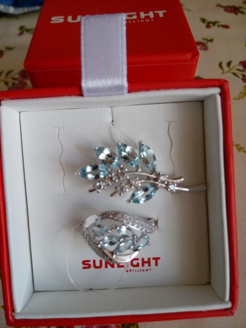Кольцо с топазами и фианитами серебро