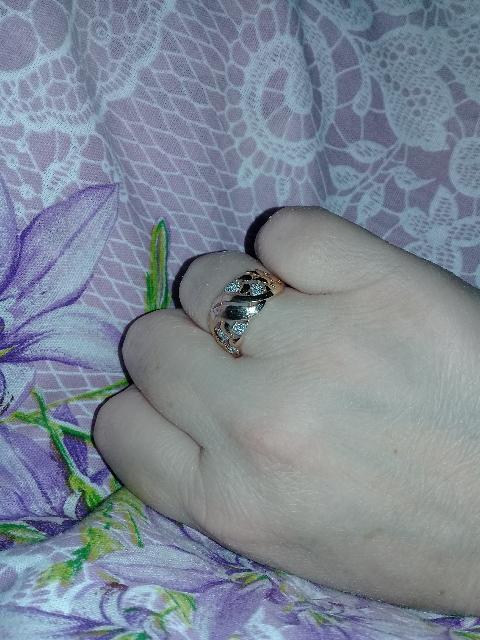 Моя прелесть.Отличное кольцо,смотрится идеально,именно то,что хотела.😍😙