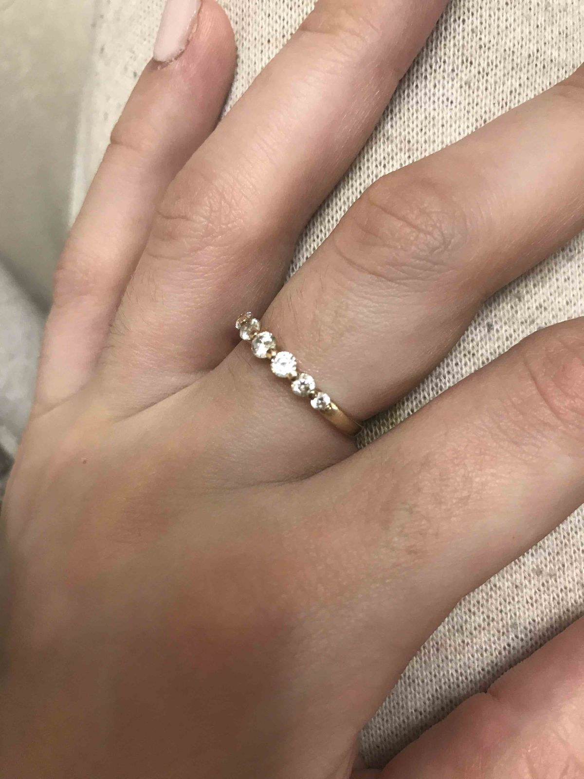 Кольцо дарил муж на 8 марта 2017 года