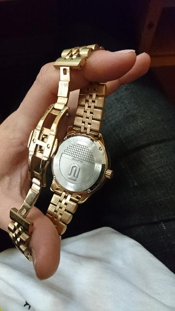 Часы точно водонепроницаемые))