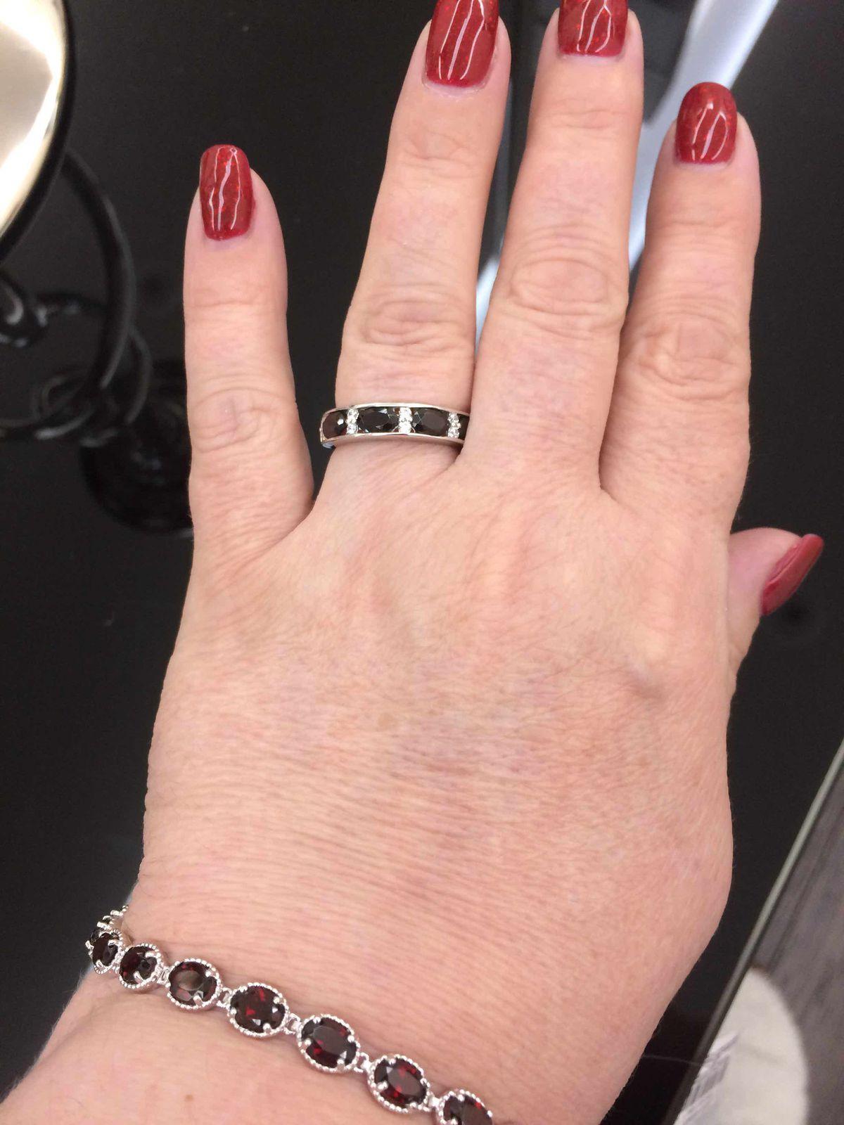 Кольцо очень красивое!!