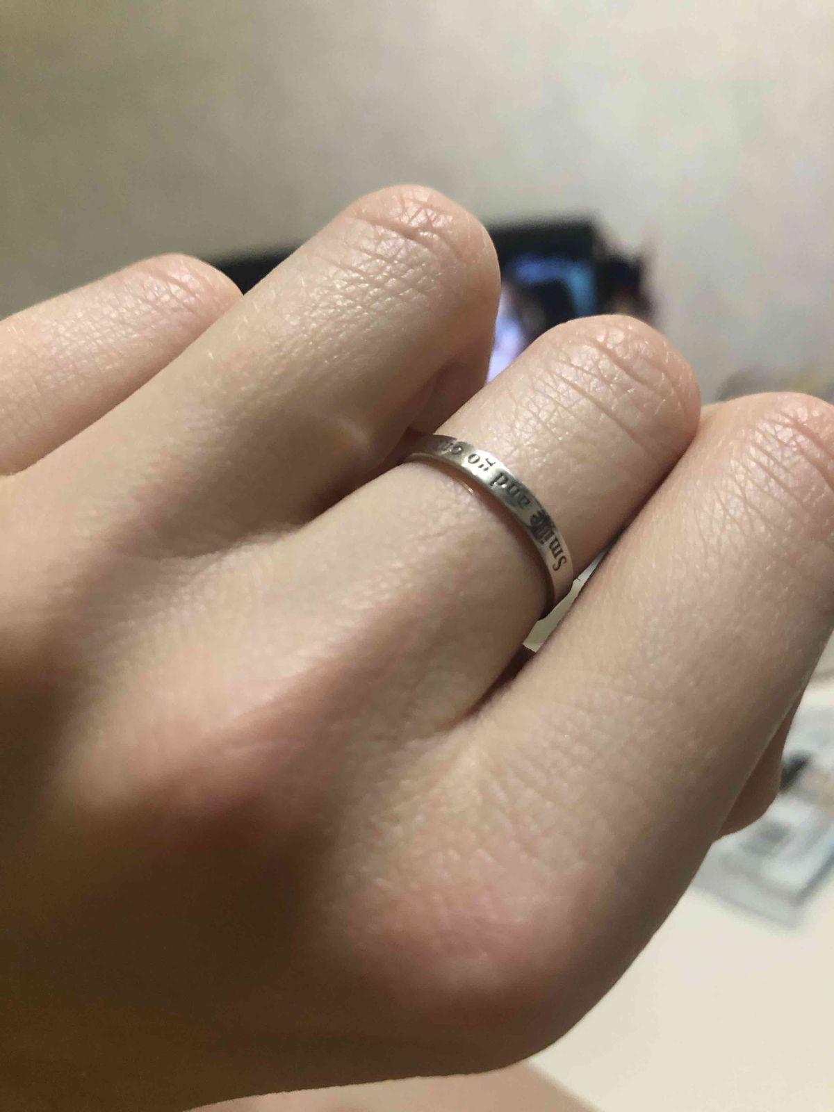 Кольцо шикарное, ничего лишнего, нежное