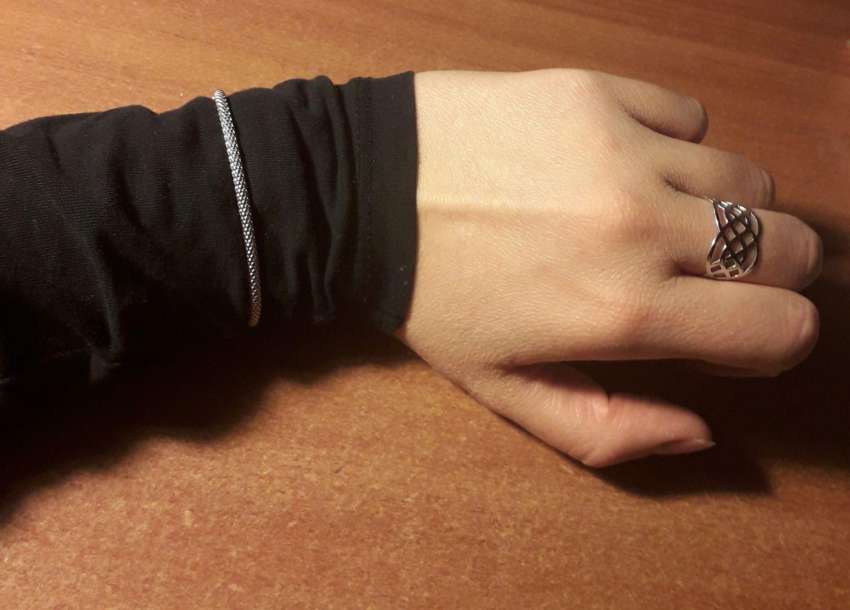 Плетеный, серебряный браслет