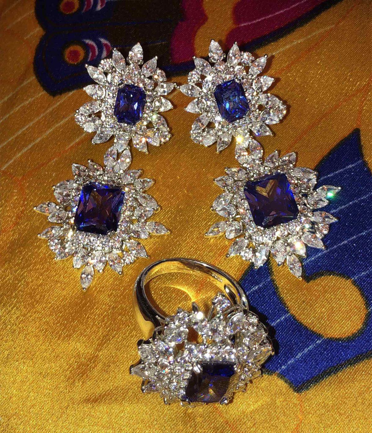 Королевский перстень!