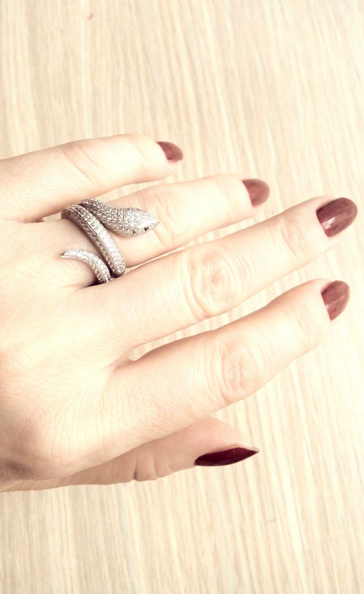 Кольцо серебряная змейка