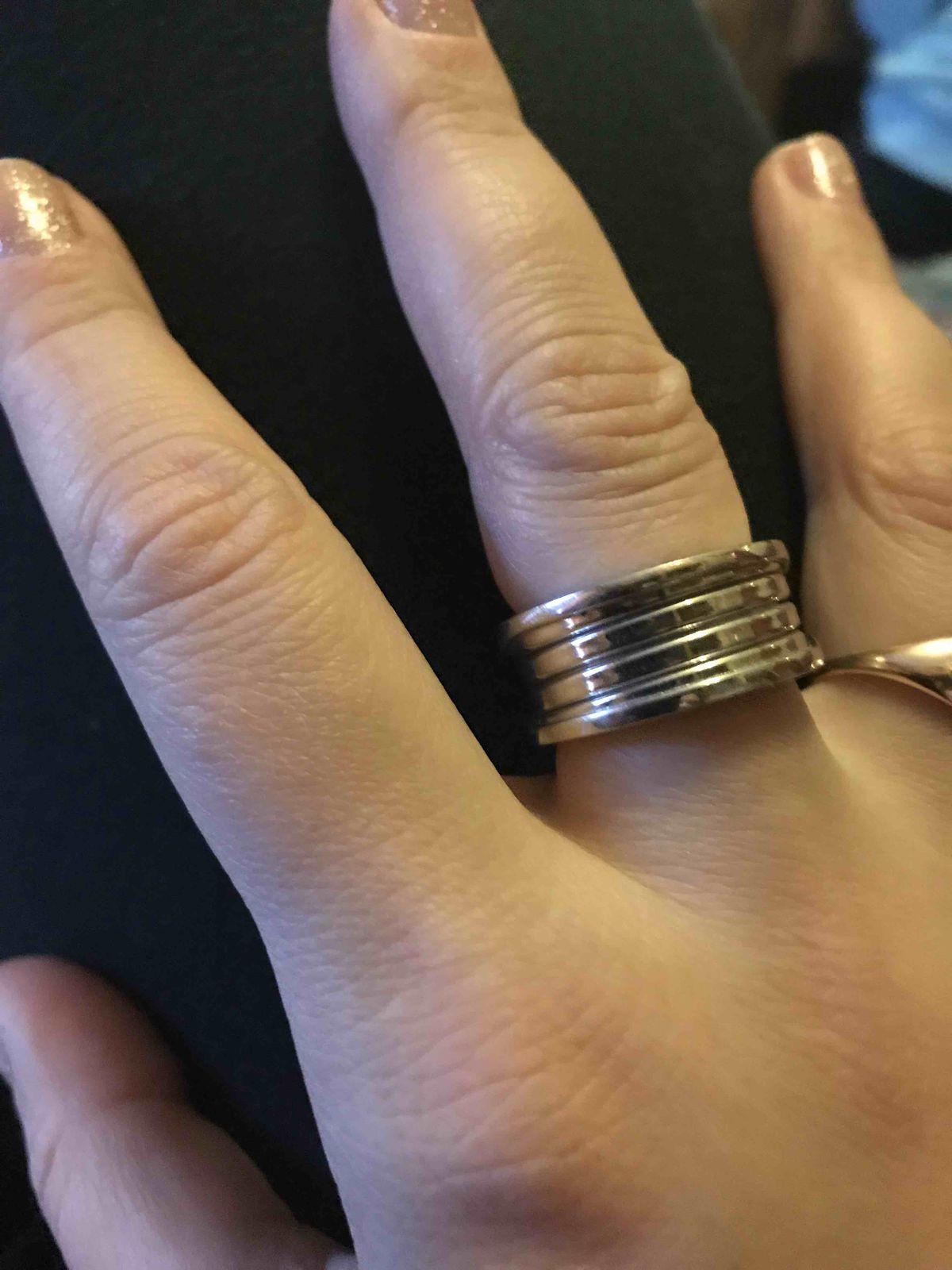 Прекрасное дизайнерское кольцо